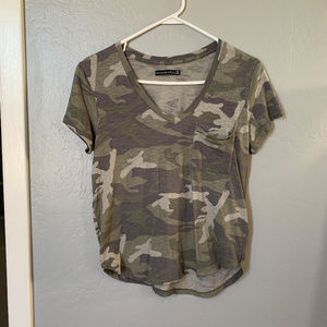 Abercrombie & Fitch V-Neck Army T-shirt